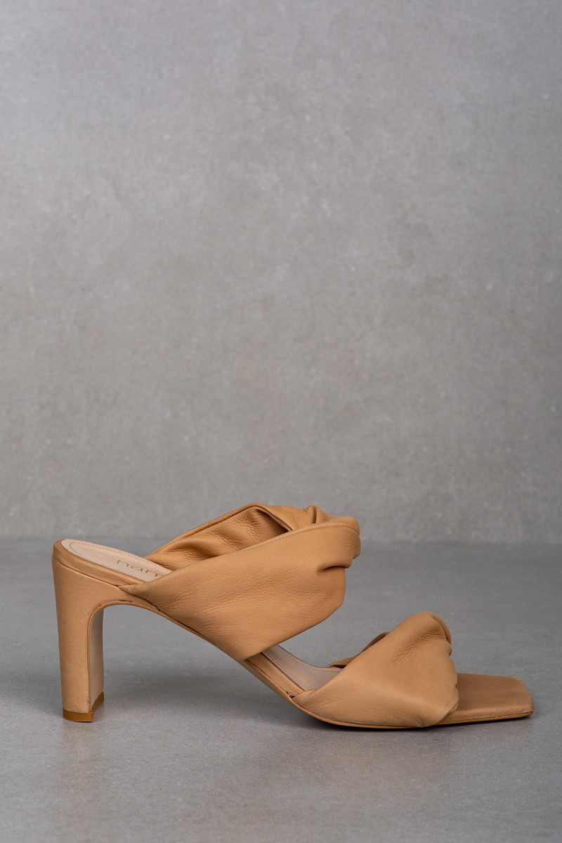 HERA nude leather sandals