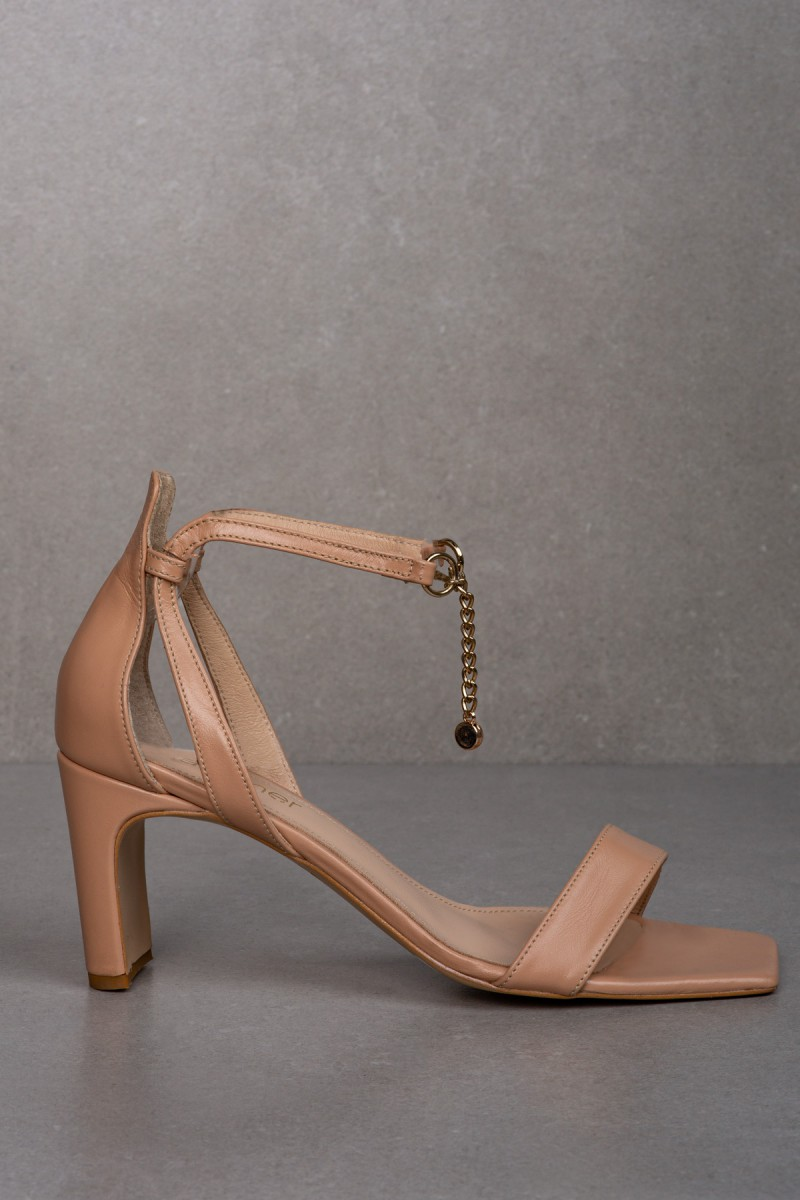 AURA nude leather sandals